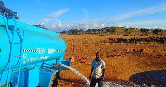 Kenyan Man Doing His Part to Protect Local Wildlife